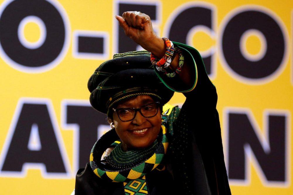 Winnie Mandela, la activista antiapartheid sudafricana y ex esposa del fallecido presidente Nelson Mandela, falleció este lunes a la edad de 81 años