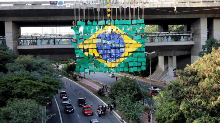 Brasil registró cuatro meses de retracción.