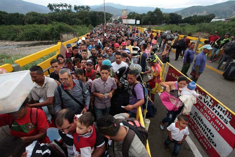 Brasil se prepara ante inmigrantes venezolanos