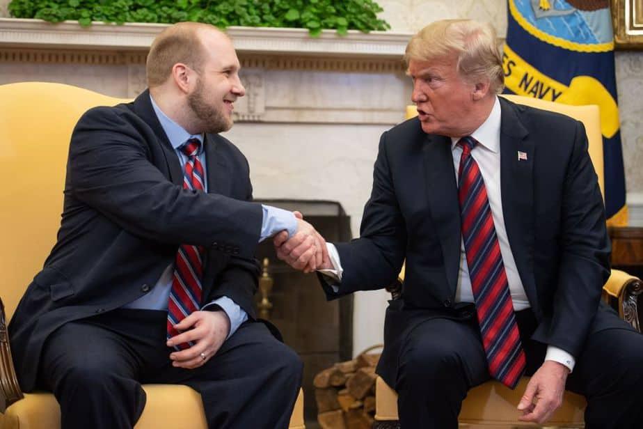 Donald Trump y Joshua Holt