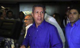Henri Falcón desconoció los resultados de la elección de Maduro