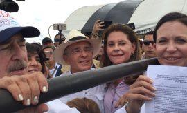 Líderes internacionales rechazan asedio contra María Corina Machado
