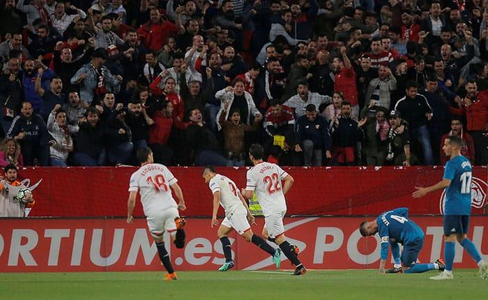 Soccer Football - La Liga Santander - Sevilla vs Real Madrid - Ramon Sanchez Pizjuan, Seville, Spain - May 9, 2018   Sevilla's Wissam Ben Yedder celebrates scoring their first goal with team mates       REUTERS/Jon Nazca