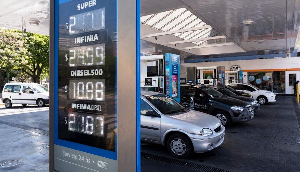 Suben la gasolina y el gasoil en Argentina