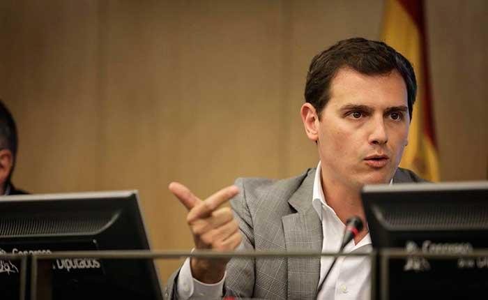 Rivera: 'El alquiler que Sánchez paga a Iglesias, Puigdemont y Torra por estar en La Moncloa es el futuro de España'