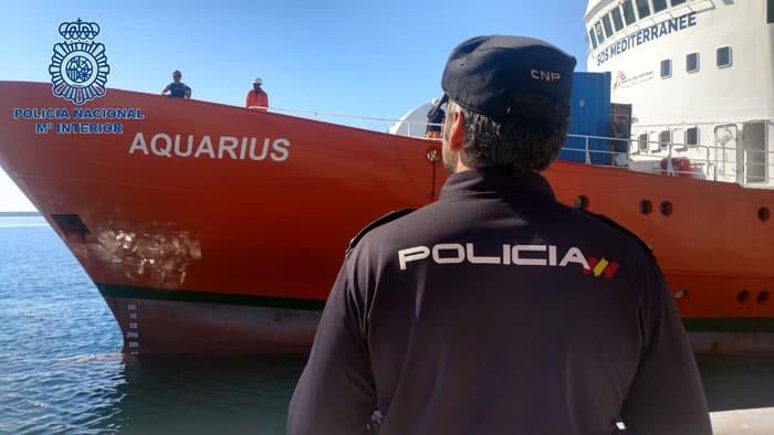 El Aquarius llegó este domingo a Valencia