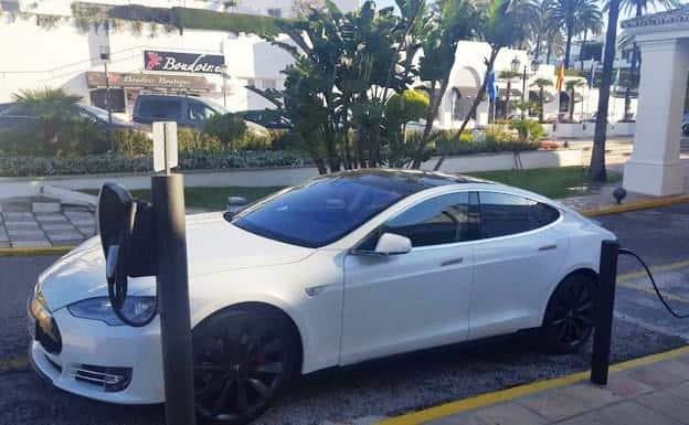 Así son los supercargadores de Tesla