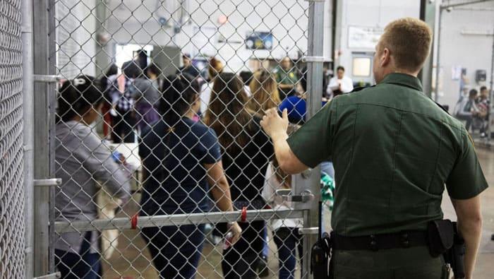 Las jaulas de los niños inmigrantes en EEUU: ¿Campos de concentración?