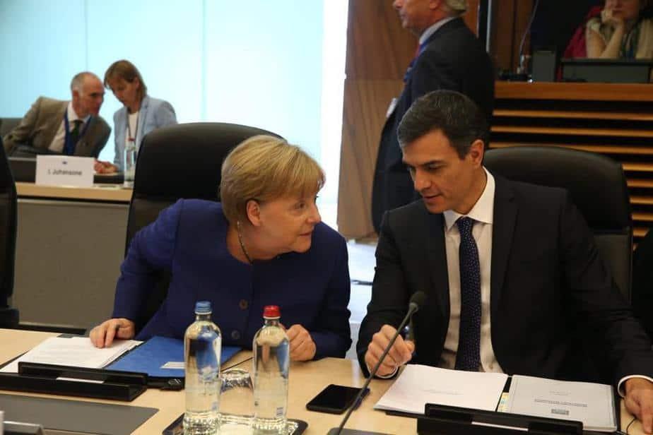 Sánchez y Merkel prepararán la cumbre europea de la crisis migratoria