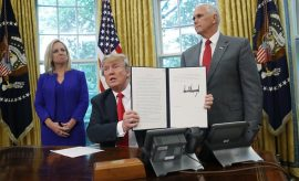 Trump promulga decreto para las familias de migramtes