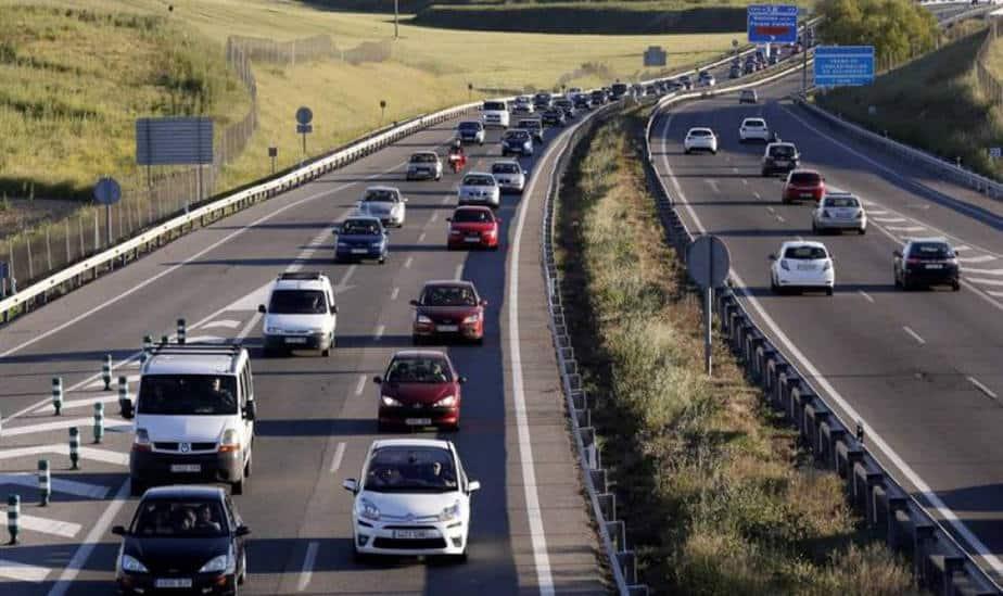 Sanción por uso del móvil al volante podría ser aumentada por la DGT