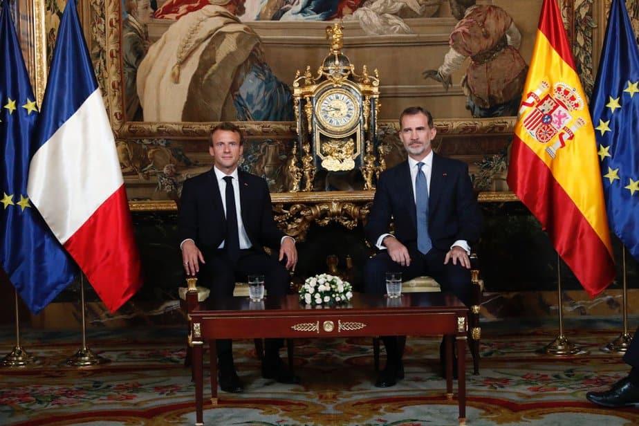 "Felipe VI invita a Macron a conocer ""la España moderna"""