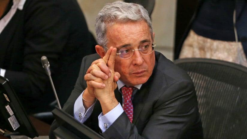 Alvaro Uribe renuncia al Senado de Colombia y anticipa una gran pugna