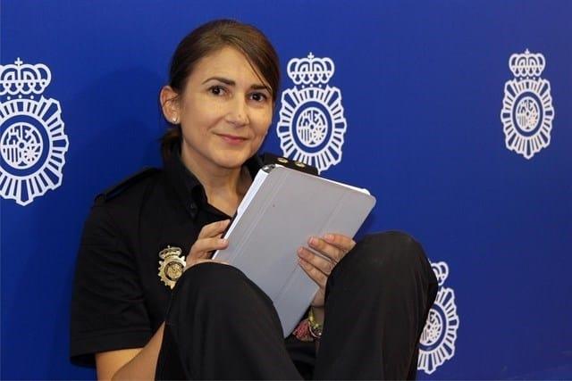 La community de la Policía dirigirá las redes de Moncloa y Sánchez