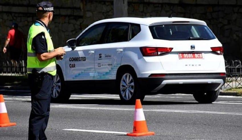 En Segovia estrenan el coche que habla con la ciudad