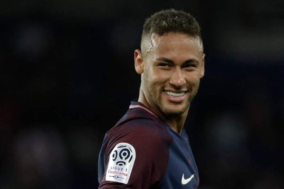 Neymar continúa en el París Saint-Germain y cierra el misterio