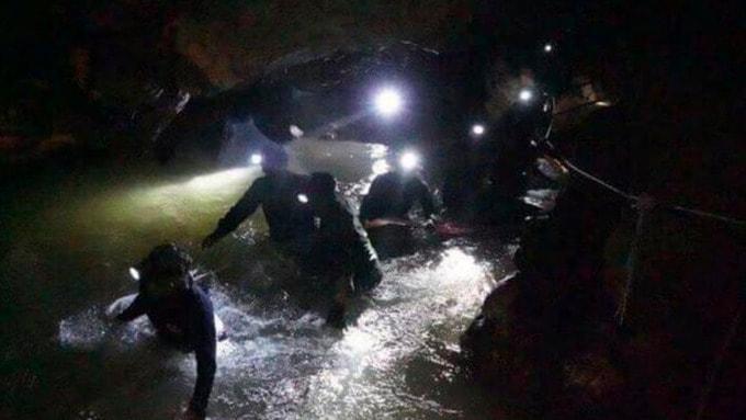 Niños atrapados en una cueva en Tailandia