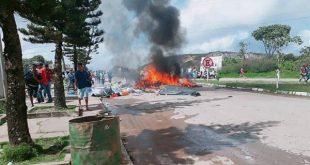 Expulsan a inmigrantes venezolanos de sus carpas y queman sus objetos en Brasil
