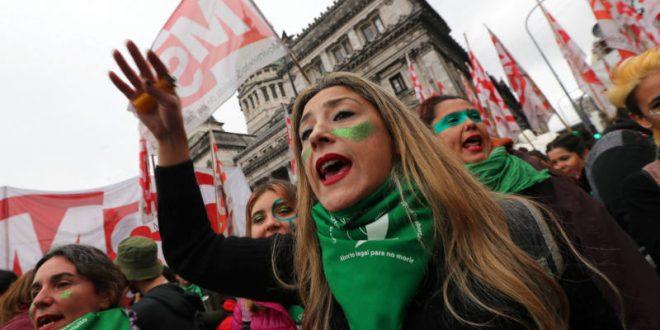 Ley que legaliza el aborto empieza a ser discutida por senado agentino