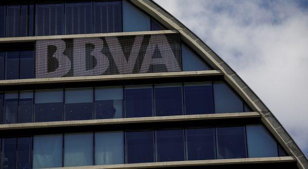 La agencia de calificación Moody's confirmó el miércoles el rating de BBVA y mantuvo la perspectiva estable. Sede del BBVA en Madrid (Reuters)
