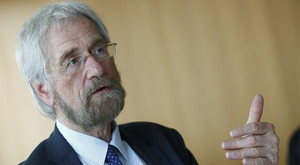 El economista jefe del Banco Central Europeo, Peter Praet, hizo un llamado a monitorear de cerca los riesgos asociados con la política monetaria ultraexpansiva del BCE (Reuters)