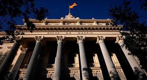 El Ibex de la bolsa española repuntó debido a la recuperación de posiciones tras fuertes recortes durante la semana pasada y el crecimiento de la lira turca