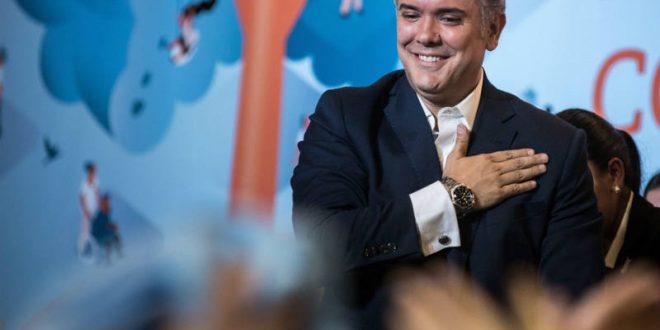 Duque es el candidato único del Centro Democrático a la Presidencia de la República. Para lograrlo obtuvo 4 millones de votos en la Gran Consulta por Colombia, celebrada el 11 de marzo de 2018.