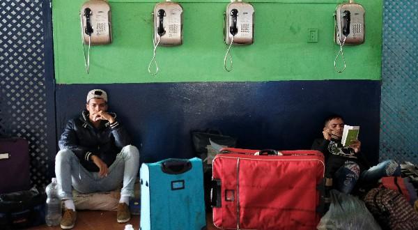 Los habitantes de Pacaraima quemaron tiendas de acampar y pertenencias de los inmigrantes venezolanos el pasado sábado