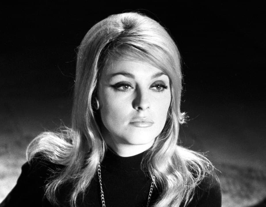 Margot Robbie como Sharon Tate: