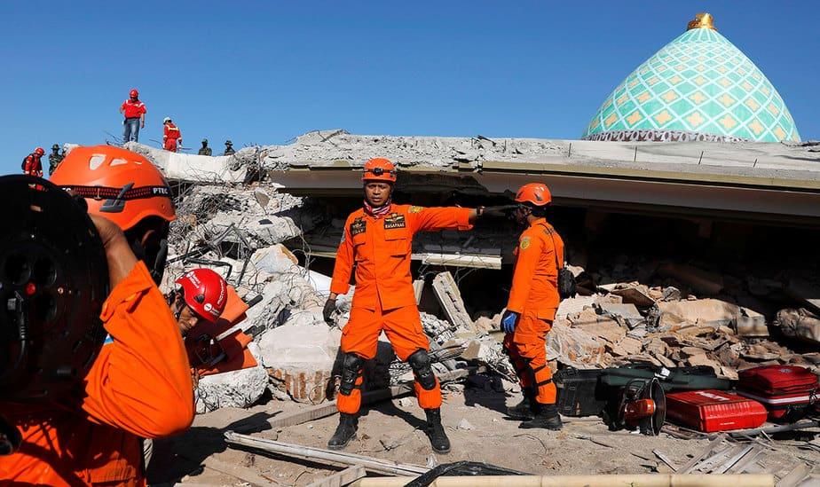 Terremoto en Indonesia: búsqueda de supervivientes