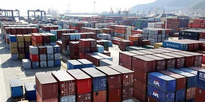 Contenedores navieros en un puerto en Lianyungang, provincia de Jiangsu, China, 8 de septiembre de 2018. REUTERS/Stringer