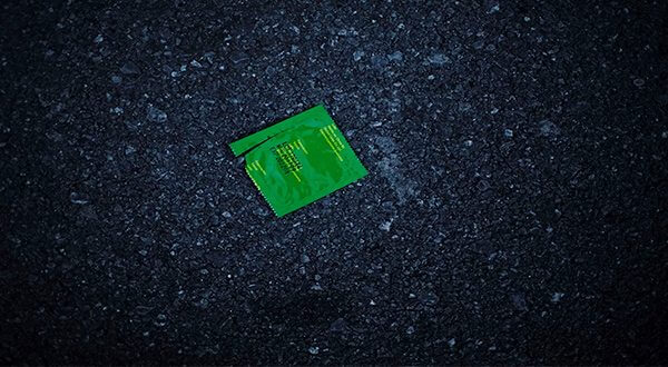 En Cuba usan los condones para atar el cabello, pescar y hasta fermentar vino/Reuters