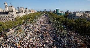 Multitudinaria la concentración por el día de la Diada en Cataluña/Reuters