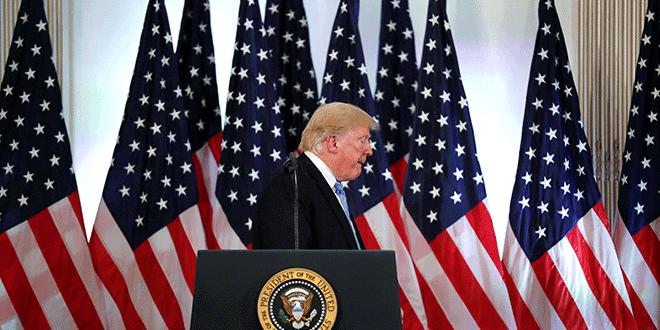El presidente de EE. UU., Donald Trump, se retira al final de una larga conferencia al margen de la 73ª sesión de la Asamblea General de las Naciones Unidas en Nueva York, EE. UU., 26 de septiembre de 2018. REUTERS / Carlos Barria