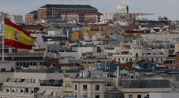 Standard and Poor's asignó perspectiva positiva a deuda soberana de España