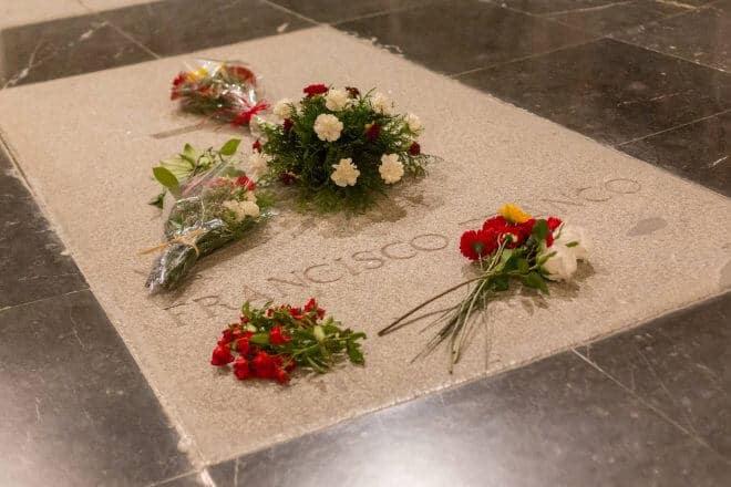Exhumar los restos de Franco Del Valle de los Caídos, una cuestión de justicia