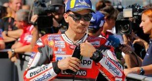Jorge Lorenzo consigue su tercera pole consecutiva al quedarse con el mejor tiempo en la sesión de clasificación de MotoGP en Aragón