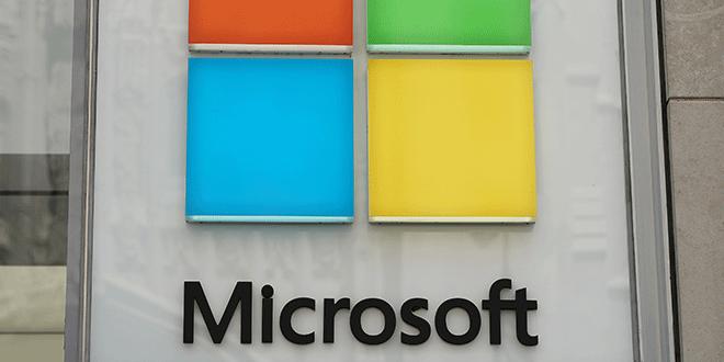 Logo de Microsoft en una tienda en Nueva York, EEUU, 21 de agosto de 2018. REUTERS/Carlo Allegri