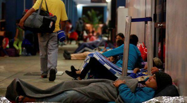 """La declaración """"exhorta al Gobierno de Venezuela para que tome de manera urgente y prioritaria las medidas necesarias para la provisión oportuna de documentos de identidad y de viaje de sus nacionales"""". Reuters/Douglas Juárez"""