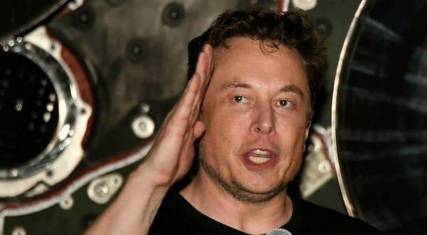 Elon Musk se niega a pagar una multa y a dejar la presidencia de Tesla