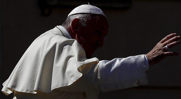 El Papa Francisco convocó a la Iglesia para debatir sobre la protección de los menores del abuso sexual/Reuters