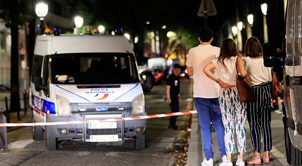 La policía acordona la zona en la que un hombre atacó con cuchillo a varias personas en el centro de París. REUTERS/Gonzalo