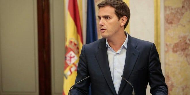 Amaño de Sánchez. Rivera y Casado se unen contra la artimaña para aprobar los Presupuestos