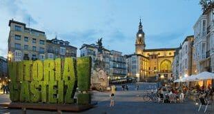 Vitoria-Gasteiz presume en verano de su potencial sostenible con propuestas volcadas en las familias, el turismo inclusivo, la enogastronomía local y la cultura.