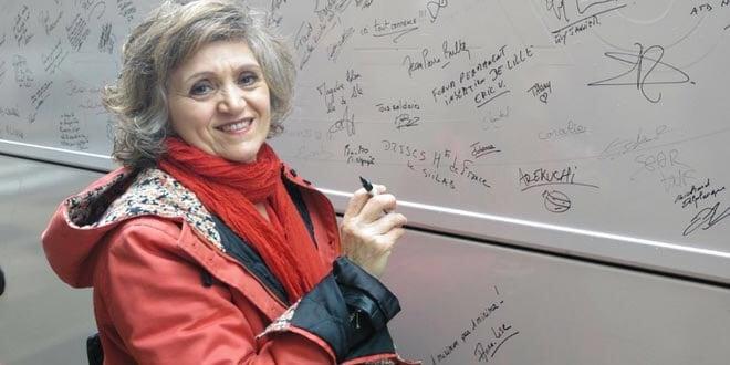 María Luisa  Carcedo en el autobús de la red contra la pobreza (EAPN) el pasado mes de mayo.