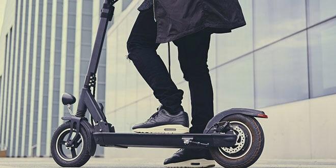 Normativa y educación vial para los usuarios, indispensables para la circulación de los patinetes eléctricos.