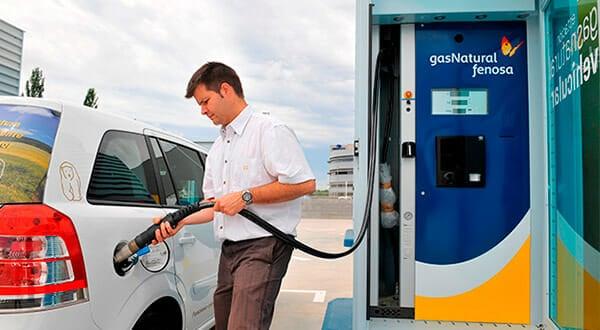 El gas natural comprimido reduce las emisiones contaminantes, genera menos ruido y tiene mayor rendimiento que los combustibles tradicionales