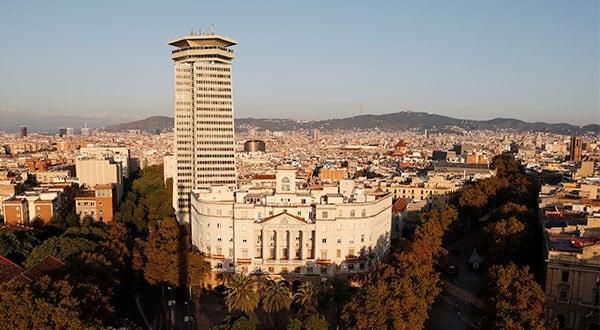 Impulsados por una menor afluencia de turistas, los hoteles de Barcelona facturaron 14 por ciento menos que en la temporada vacacional de 2017