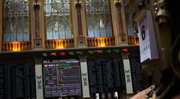 La guerra comercial entre Estados Unidos y China presiona cada vez más el índice Ibex-35 ante la incertidumbre de los inversores