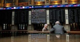 La guerra comercial entre Estados Unidos y China mantiene la preocupación del mercado, pero una subida de las bolsas asiáticas impulsó al Ibex 35